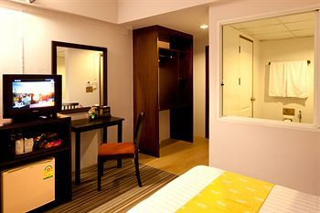 Siam Place Airport Hotel,  room